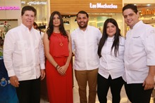 Luis Ros, Madeline Abreu, Rodrigo Diaz, Paulette Tejada y Mikey Faxas 2